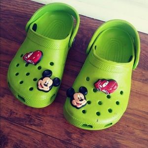 Croc's toddler shoes size 8-9